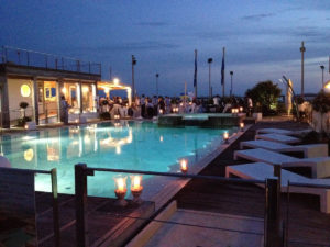 Bragozzo piscina cena notturna