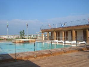 Bragozzo piscina vista laterale